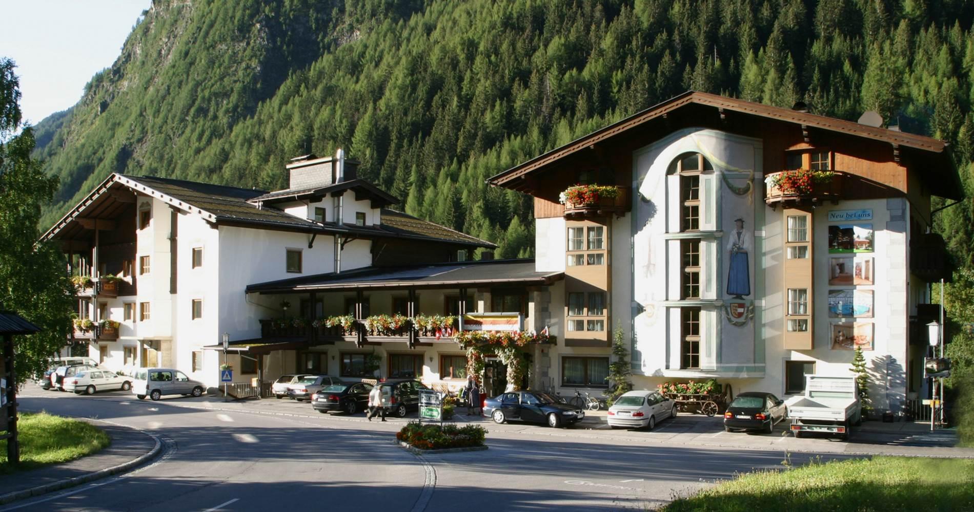 Hotel-Kaerntnerhof_Sommer_a.jpg_3dak137_1900xX